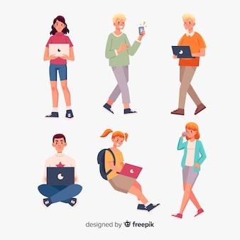 Ludzie korzystający z urządzeń technologicznych