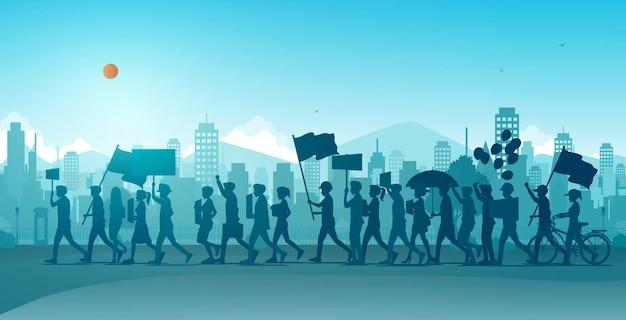 Ludzie mobilizują się i protestują na ulicach miasta.