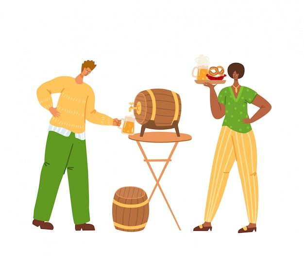 Ludzie na festiwalu piwa lub imprezie oktoberfest