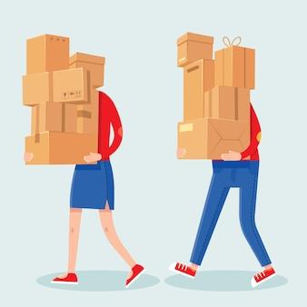Ludzie niosący stosy pudeł. kreskówka mężczyzna i kobieta z ciężkim pudełkiem kartonowym. para rodzin nosi paczki. dom przeprowadzka wektor koncepcja. ilustracja pakiet dostawczy, niosący karton