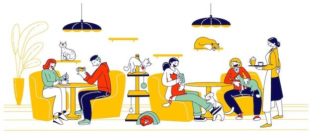 Ludzie odwiedzają cat cafe. postacie męskie i żeńskie siedzą przy stolikach i piją napoje z kociętami bawiącymi się i relaksującymi. nowy rodzaj działalności hotelarskiej przytulne miejsce. liniowa ilustracja wektorowa
