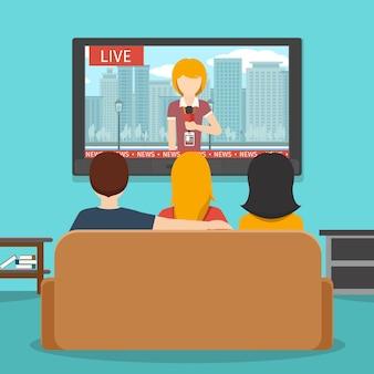 Ludzie oglądający wiadomości w telewizji