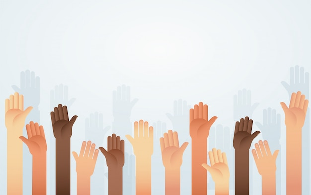 Ludzie podnieśli ręce w innym kolorze skóry