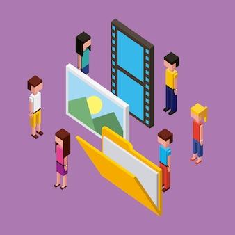 Ludzie pracujący nad folderem kreatywnych zdjęć procesów