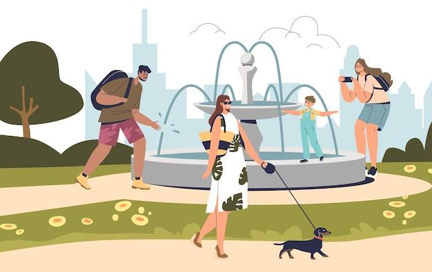 Ludzie przy fontannie w letnim parku spacerują odpoczywają na świeżym powietrzu. grupa postaci z kreskówek z dziećmi i psami cieszyć się świeżym powietrzem w parku na tle panoramy miasta. płaska ilustracja wektorowa