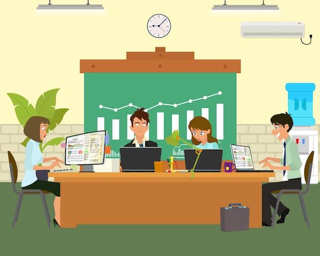 Ludzie rozmawiają i pracują przy komputerach.