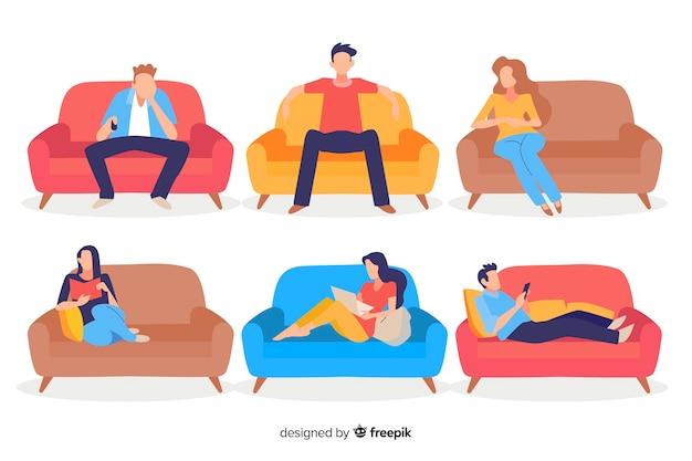Ludzie siedzą na kanapie