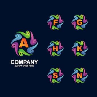 Ludzie w okrągłym i alfabetycznym logo