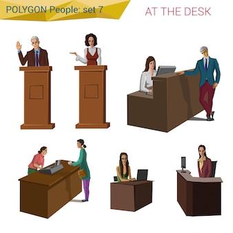Ludzie w stylu wielokąta stojąc i siedząc przy biurku, ustawiają ilustracje.