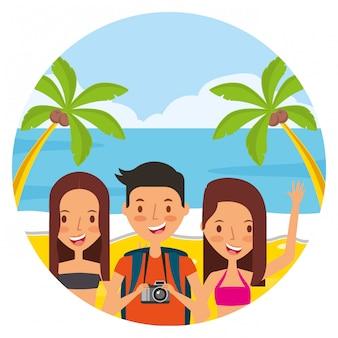 Ludzie wakacji w okresie letnim