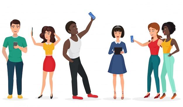 Ludzie z gadżetami tworzącymi selfie. chłopaki i dziewczyny komunikują się przez telefon i tablety. ilustracja kreskówka wektor