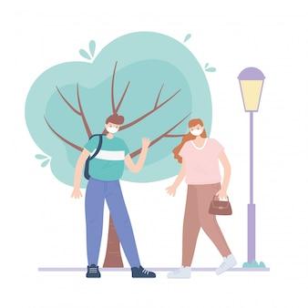 Ludzie z medyczną maską na twarz, chłopiec i kobieta chodzą po ulicy