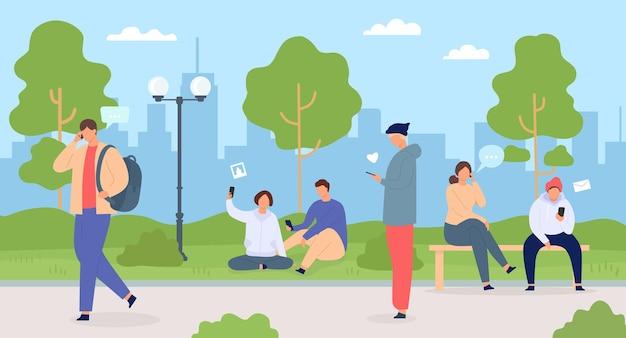 Ludzie z telefonami w mieście. mężczyźni i kobiety w parku za pomocą gadżetów. tłum w przyrodzie miasta. znaki z technologią mobilną wektor płaski koncepcja. freelancerzy ze smartfonami na świeżym powietrzu