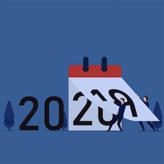 Ludzie zmieniają kalendarz od 2019 do 2020