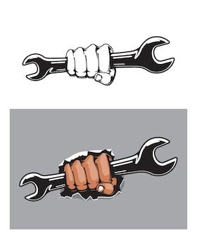 Ludzka ręka z kluczem lub kluczem, mechanik wektor lub hydraulik pracownik z kluczem śrubowym w ramieniu. naprawa samochodów, serwis samochodowy, hydraulika i projektowanie branży budowlanej z narzędziem roboczym i pięścią człowieka