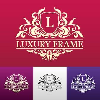 Luksusowa etykieta lub element symbolu miejsca króla z zestawem ozdobnych obiektów kaligrafii