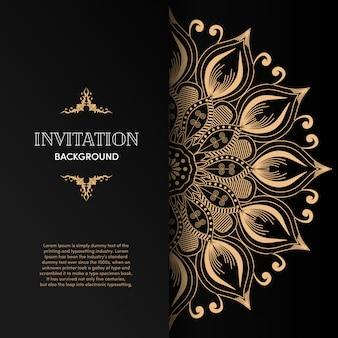 Luksusowa złota mandala karta zaproszenie z czarnym tłem