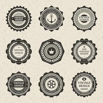 Luksusowy vintage znaczek. stary symbol kotwicy etykiety z obręczą samochodu i dekoracją biznesową antycznej korony.