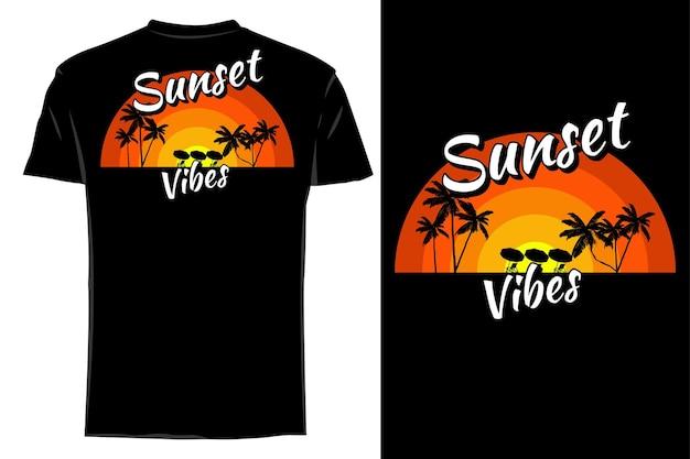 Makieta koszulki sylwetka zachód słońca wibracje retro vintage