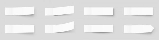 Makieta pealistic karteczki, naklejki post z cieniami na białym tle na szarym tle. papierowa taśma klejąca z cieniem. papierowa taśma klejąca, puste puste półki biurowe
