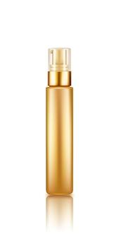 Makieta przezroczystej złotej butelki z serum z pompką z przezroczystą nakrętką na białym tle