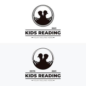 Małe dzieci czytają projekty logo