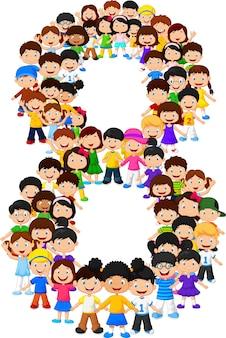 Małe dzieci tworzą numer osiem