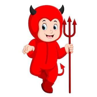 Małe dzieci w halloween czerwony strój diabła