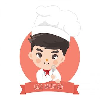Mały chłopiec piekarnia