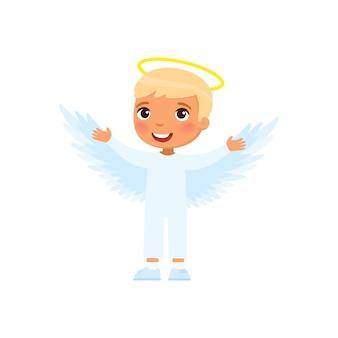 Mały chłopiec ubrany jak ilustracja anioła