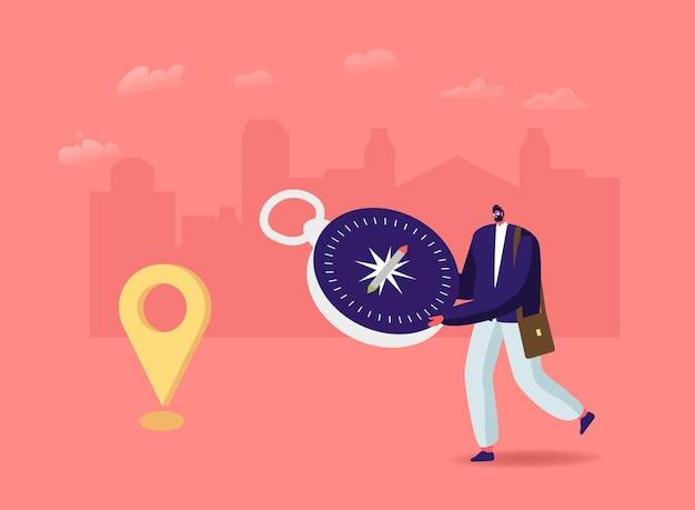 Mały męski charakter z ogromnym kompasem na orientację. mężczyzna szuka właściwej drogi w obcym mieście lub na trasie turystycznej
