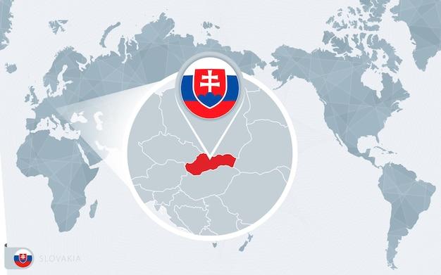 Mapa świata wyśrodkowanego na pacyfiku z powiększeniem słowacji. flaga i mapa słowacji.