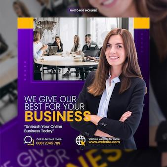 Marketing biznesowy w mediach społecznościowych post na facebooku i baner internetowy