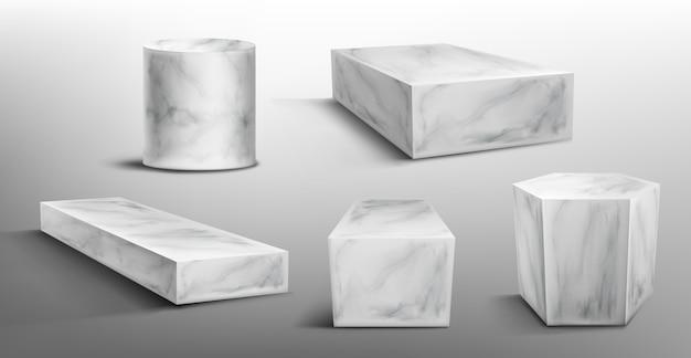 Marmurowe cokoły lub podium, abstrakcyjne geometryczne puste sceny muzealne