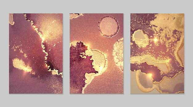 Marmurowy zestaw fioletoworóżowych i złotych abstrakcyjnych tła z brokatem w technice atramentu alkoholowego