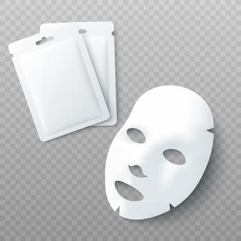 Maska kosmetyczna na twarz z białym prześcieradłem i makieta pustych pakietów na białym tle