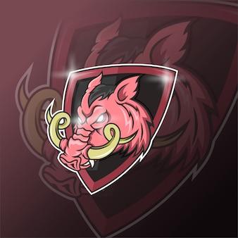 Maskotka dzika świnia do sportu i logo e-sportu na białym tle na ciemnym tle