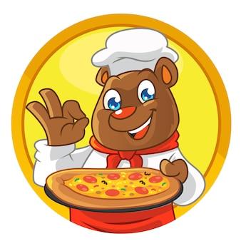 Maskotka niedźwiedź szef kuchni, przynosząc pizzę
