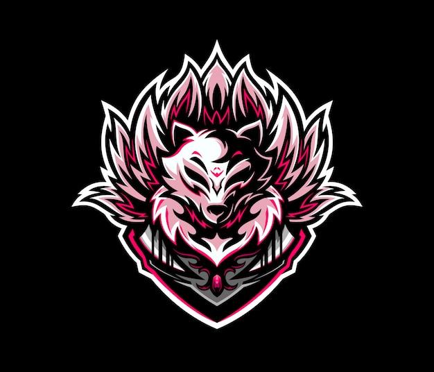 Maskotka z logo e-sportu kitsune