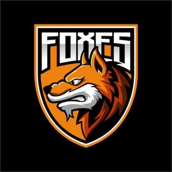 Maskotka z logo fox shield
