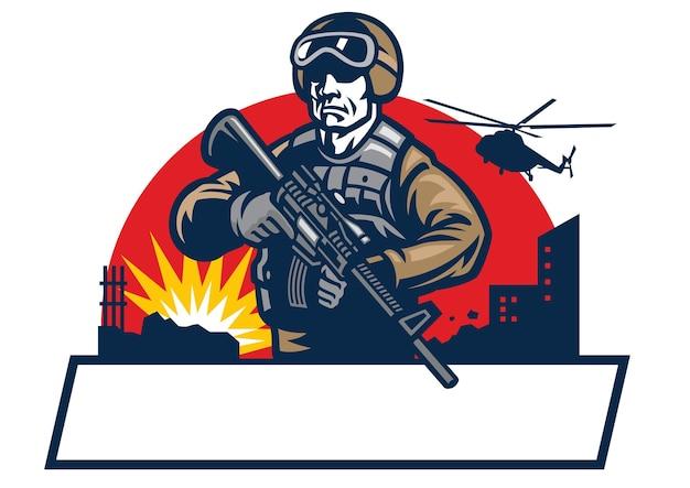 Maskotka żołnierza trzyma karabin szturmowy
