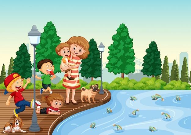 Matka i dzieci w parku
