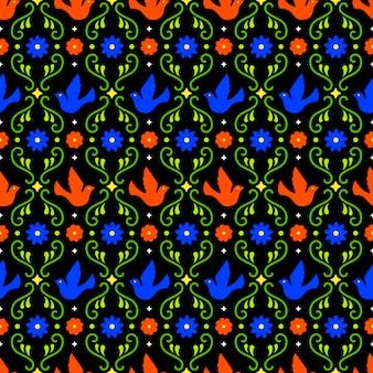 Meksykańska sztuka ludowa wzór z kwiatów, liści i ptaków na ciemnym tle. tradycyjny design na imprezę fiesta. kolorowe kwiatowe elementy ozdobne z meksyku. ornament meksykański folklor.