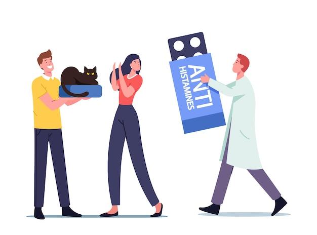 Męska postać małego lekarza z ogromnymi środkami antyhistaminowymi przepisuje lekarstwo kobiecie z alergią na kocie futro