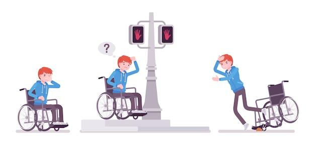 Męski młody użytkownik wózka inwalidzkiego w negatywnych ulicznych emocjach