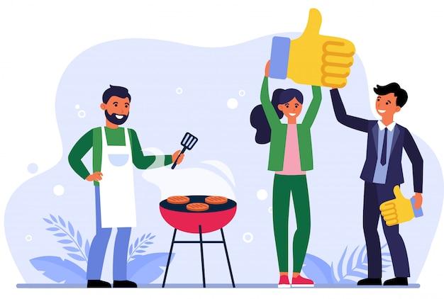 Mężczyzna i kobieta lubią grilla restauracji