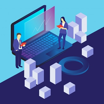 Mężczyzna i kobieta sprawdzają dane komputerowe
