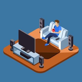 Mężczyzna ogląda telewizję na kanapie