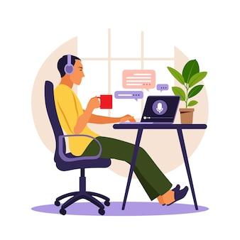 Mężczyzna w słuchawkach i słucha podcastu o edukacji na swoim laptopie podcast vector illustration