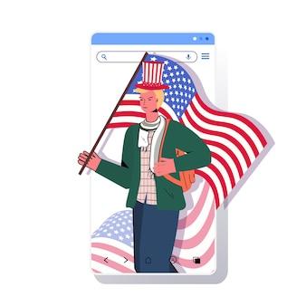 Mężczyzna w świątecznym kapeluszu trzymający flagę usa świętującą, 4 lipca amerykański dzień niepodległości koncepcja smartfon ekran aplikacja mobilna portret ilustracja